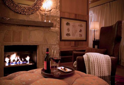 Wolgan Valley resort fireplace